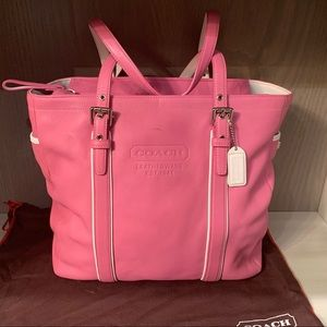 Pink Hamptons leather carryall with dust bag